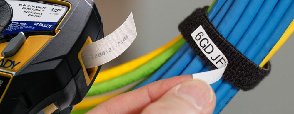 Etiquetas para marcar e identificar mazos de cables